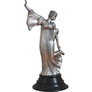 Bronzefigur einer Hofdame auf Holzsockel