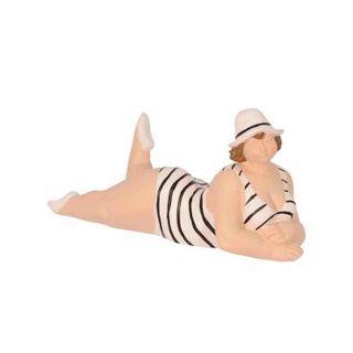Deko-Objekt liegende Dame im Badeanzug