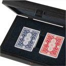 Kunststoffbeschichtete Spielkarten in dunkelgrauer Kunstleder-Holzkiste